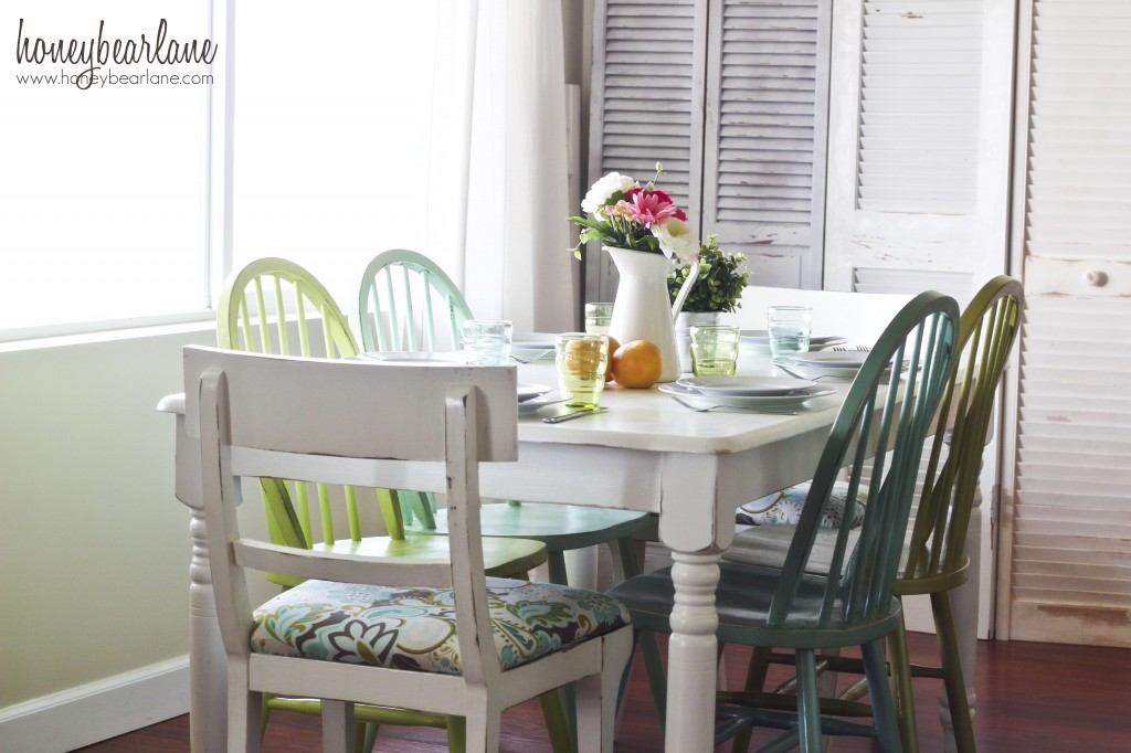 aqua and green dining room