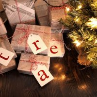 8 Christmas Gift Wrapping Ideas