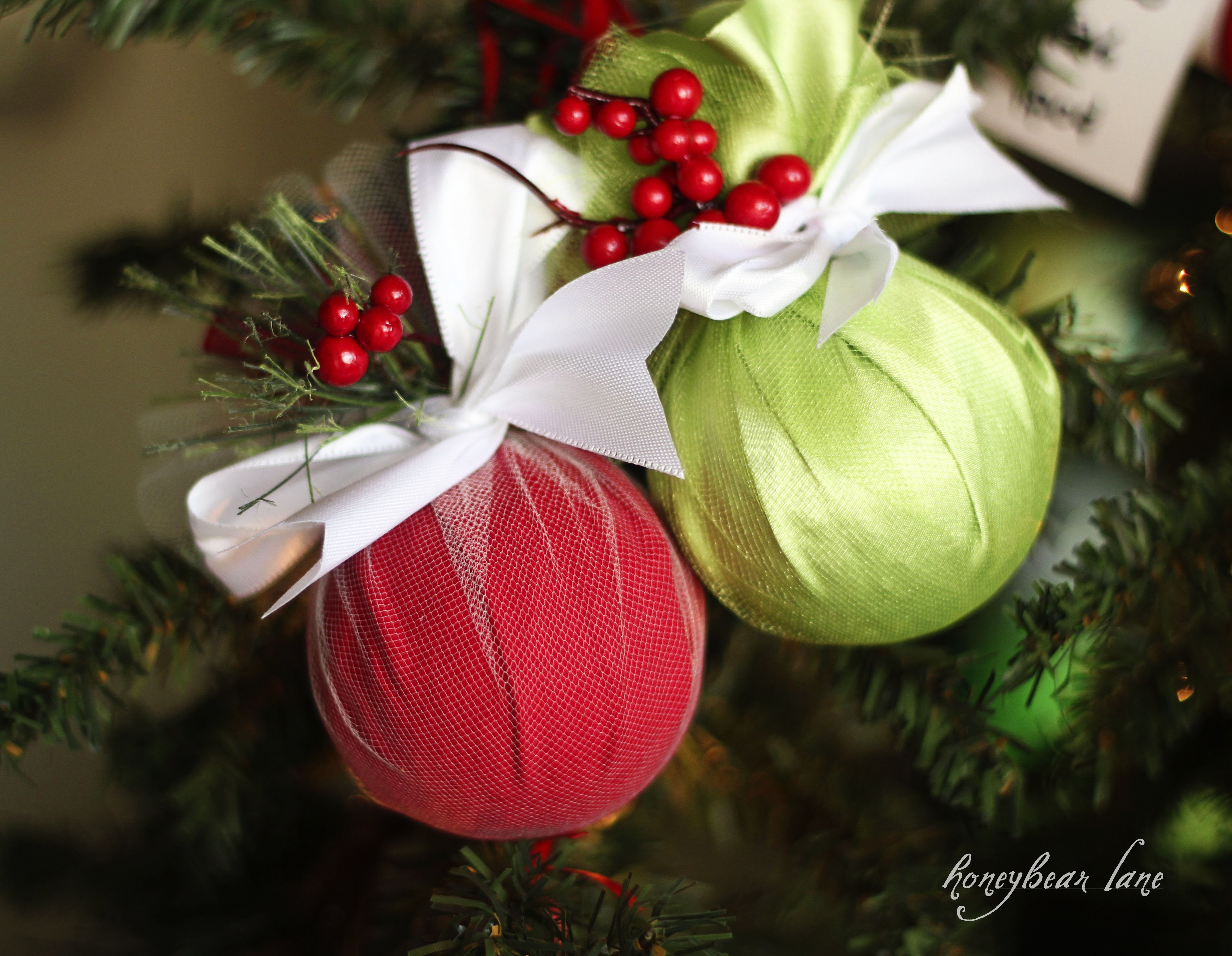 How to make an easy christmas ornament honeybear lane for Easy to make christmas decorations