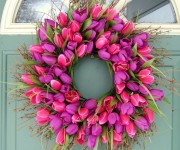 spring-wreath-purple-and-pink-tulips