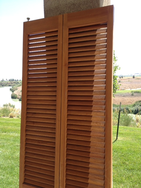 For the unfinished wood one I knew that I would have to paint it and then distress it. I wanted these shutters to be pretty weathered looking ... & How to Distress with Candle Wax - Honeybear Lane