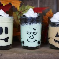 Halloween No Bake Cheesecakes (in a jar)
