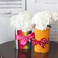 Easy Teacher Gifts: Pencil Vases