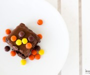 chocolate reeses brownies with cinnamon