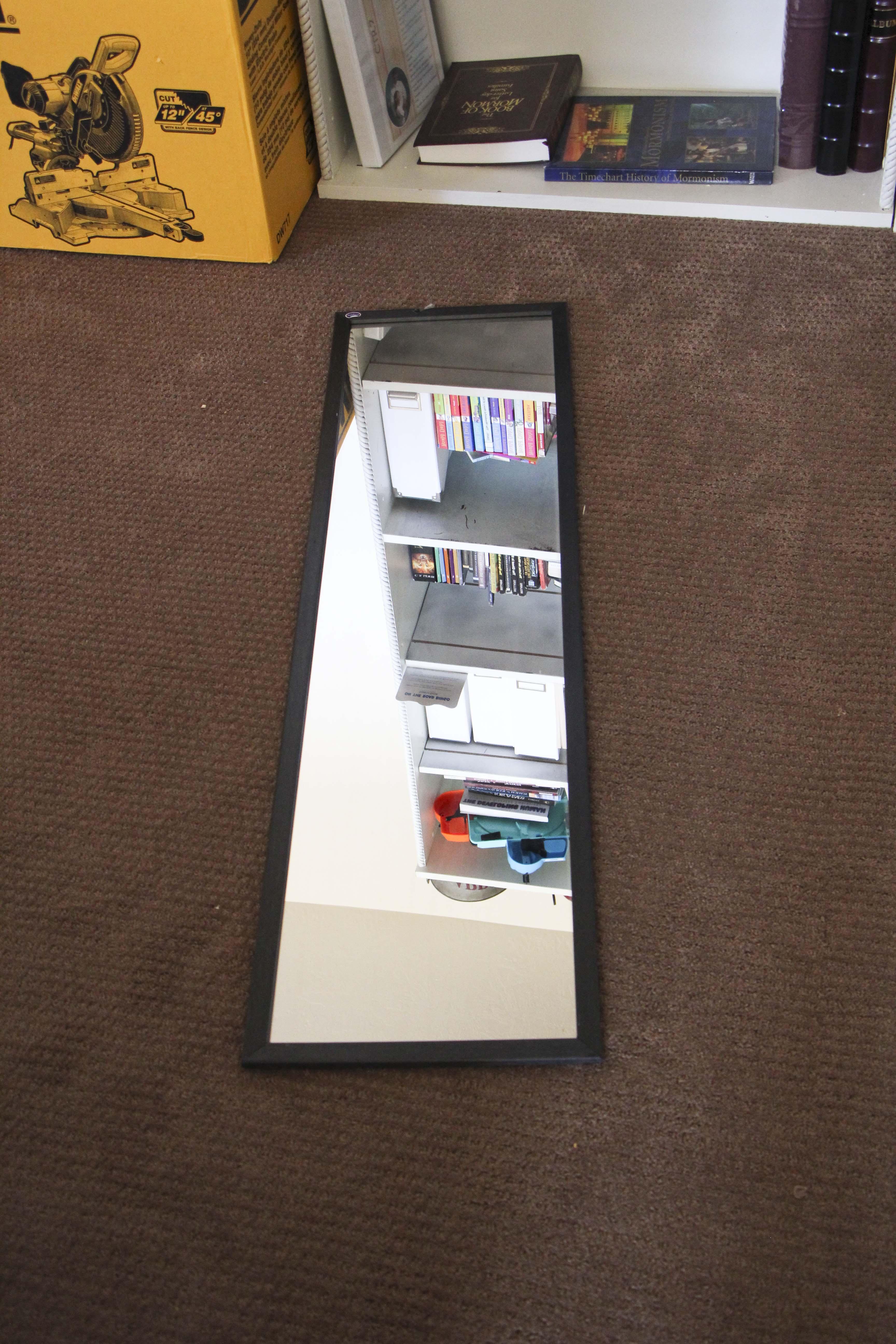 diy reclaimed wood mirror honeybear lane diy reclaimed wood mirror