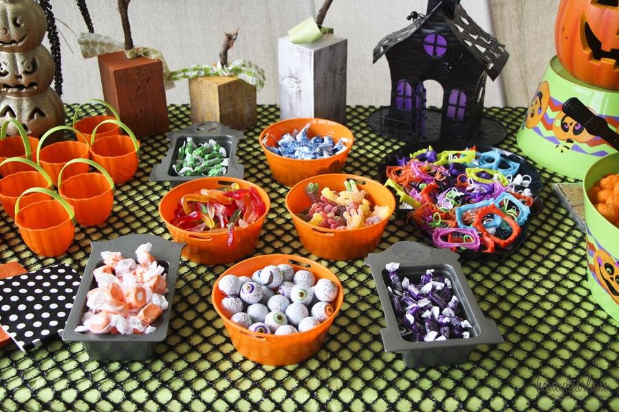 Kids Halloween Party Ideas  HoneyBear Lane - Kids Halloween Party