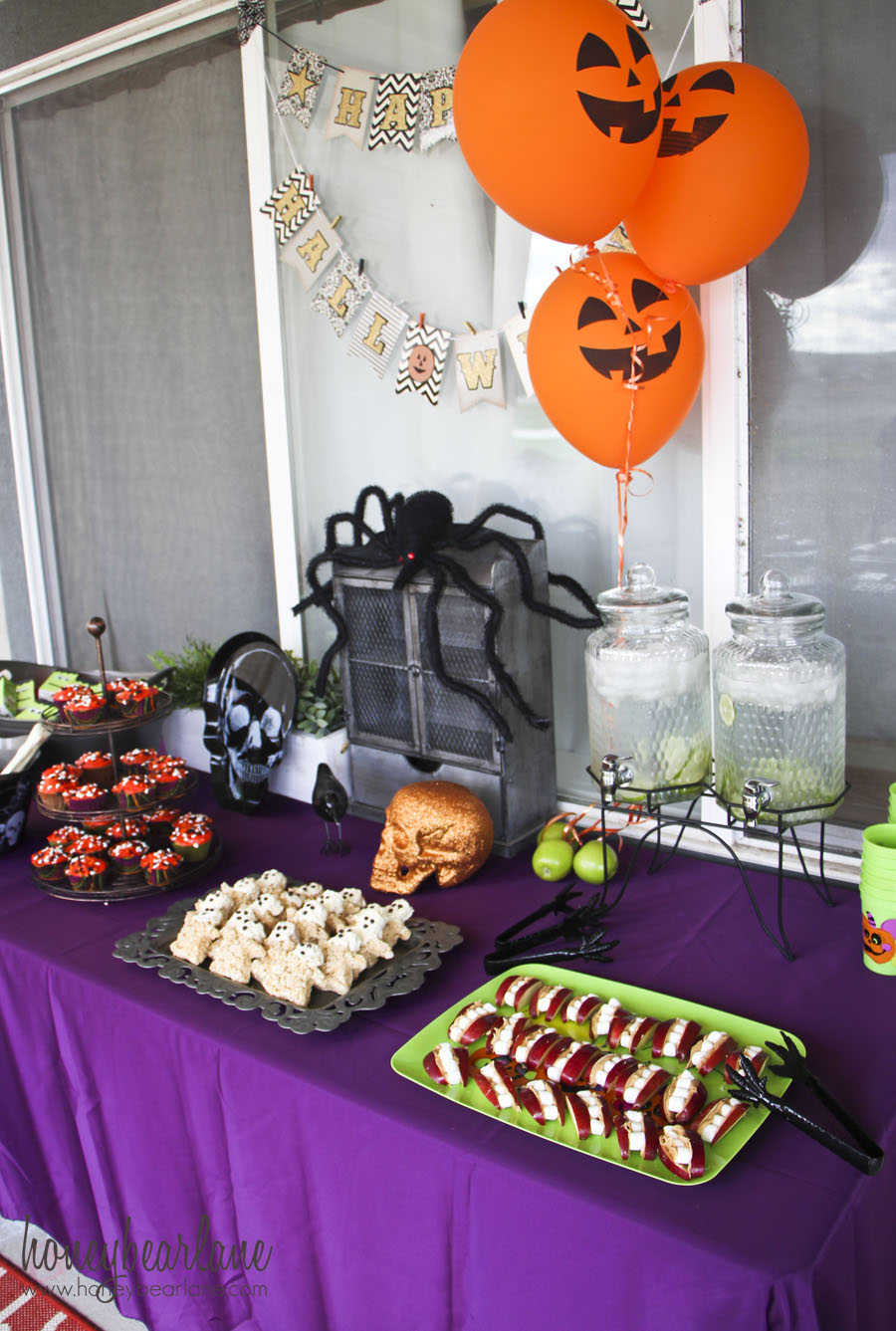 Kids halloween party ideas honeybear lane for How to have a great halloween party