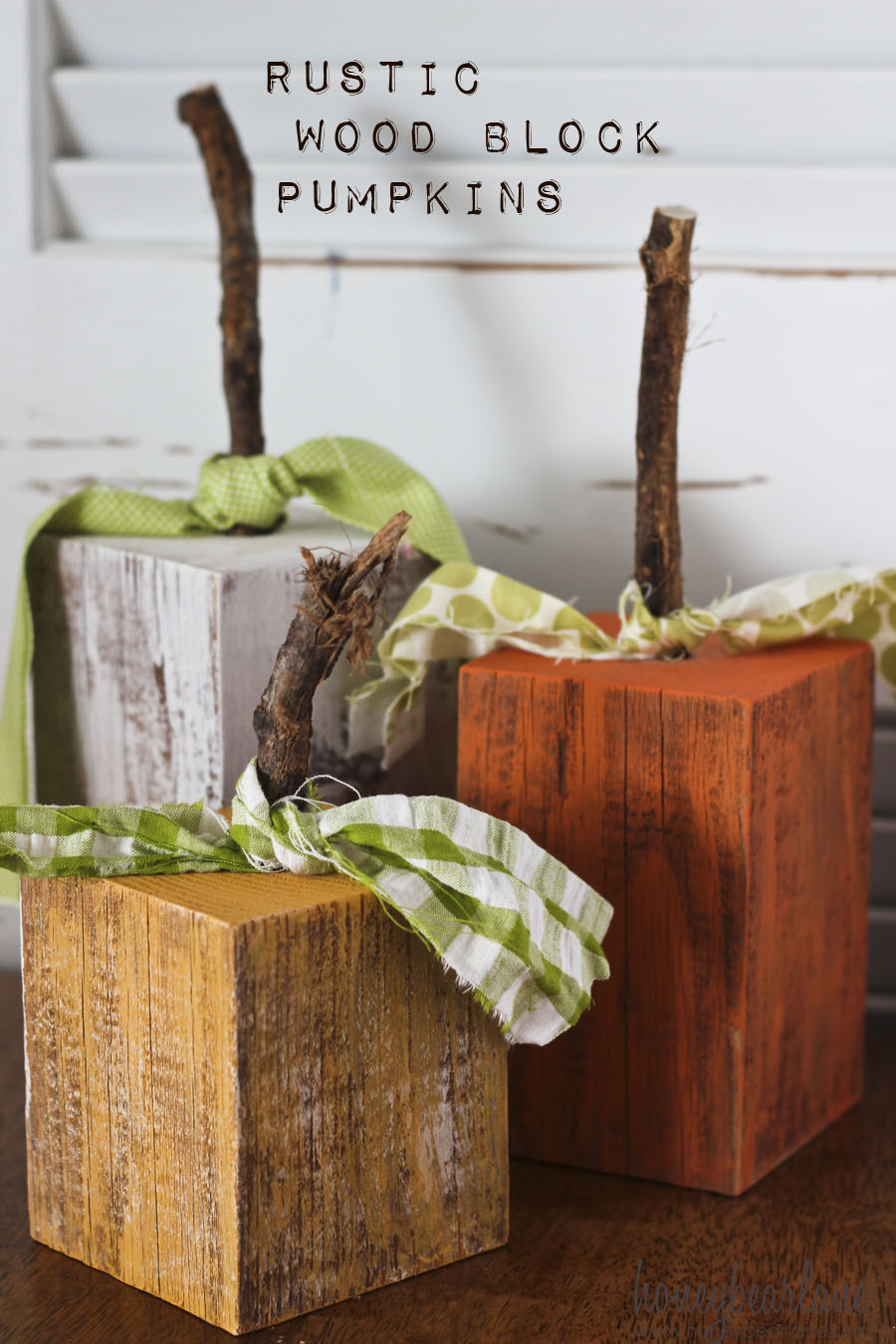 Rustic wood pumpkins honeybear lane for Rustic home decor and woodworking