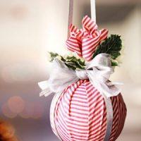 25 Beautiful DIY Ornaments