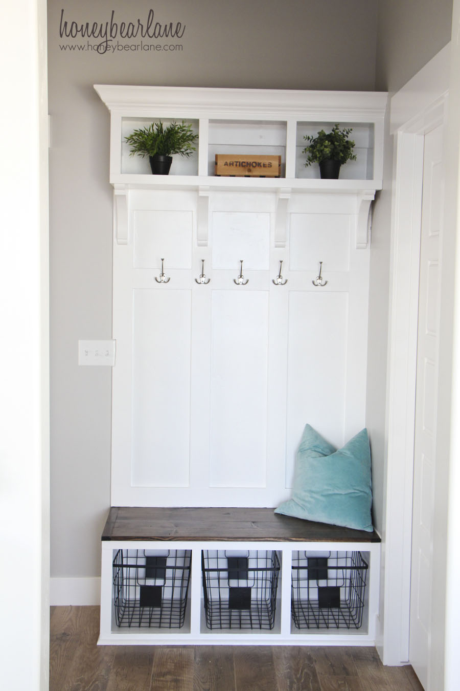Diy mudroom bench part 2 honeybear lane Create our own room design