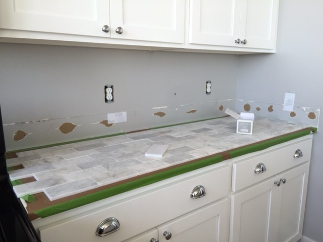 No Backsplash Behind Kitchen Sink