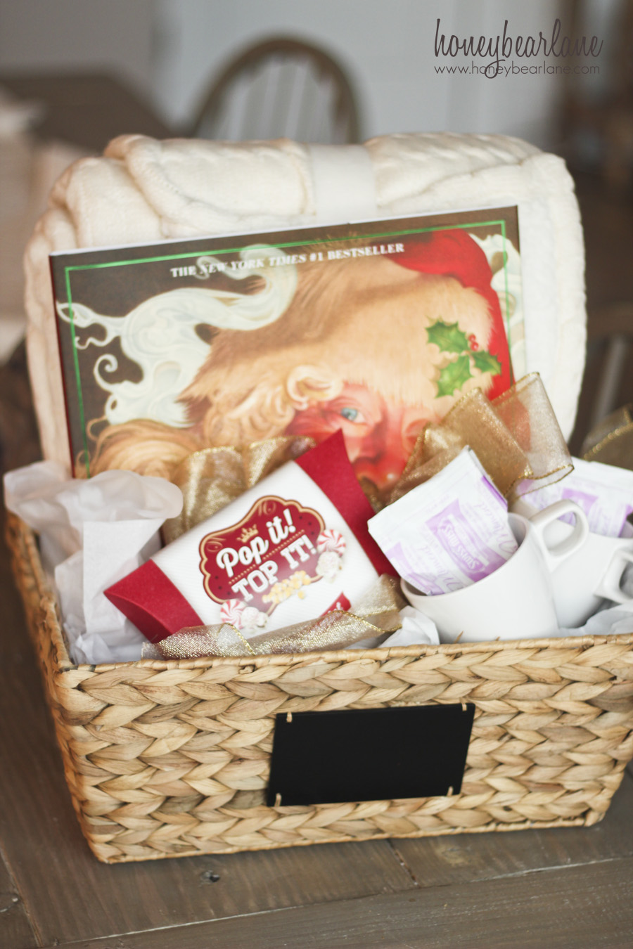 The Ultimate Cozy Christmas Gift Basket - Honeybear Lane