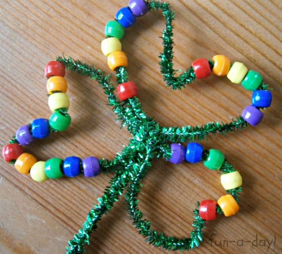 25 easy st patrick 39 s day crafts for kids page 15 of 26 for Bead craft ideas for kids