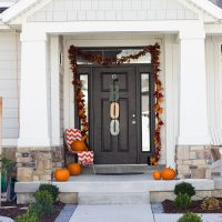 Farmhouse Halloween Front Porch Decor