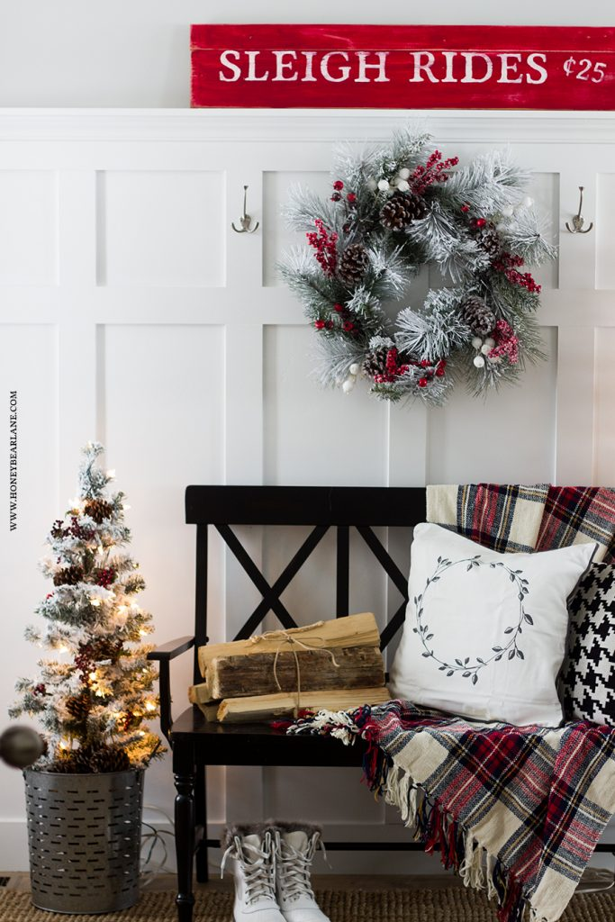 christmas-farmhouse-entry