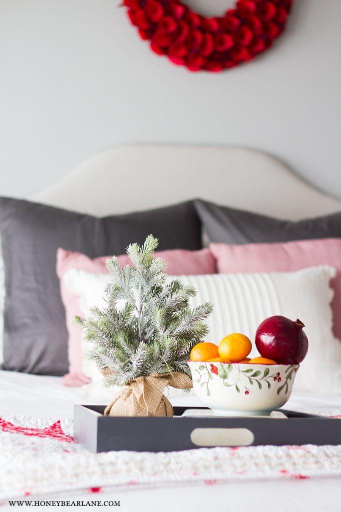 bedroom-christmas-closeup