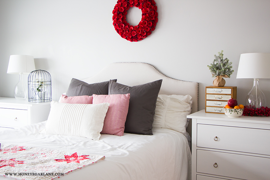 farmhouse-bedroom-christmas