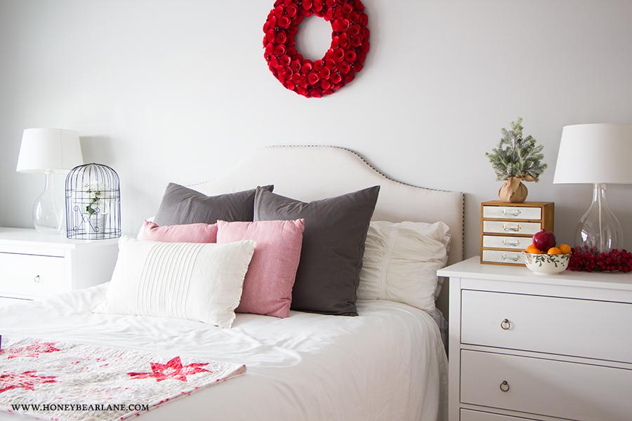 farmhouse-bedroom-christmas