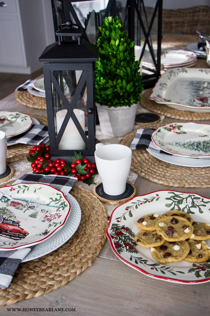 farmhouse-christmas-tablescape