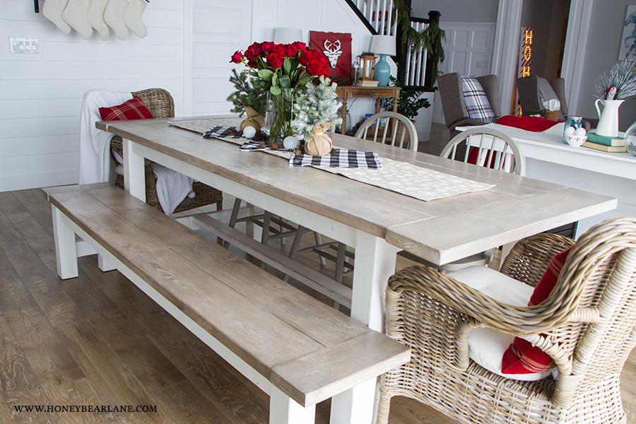 farmhouse-table-at-christmas