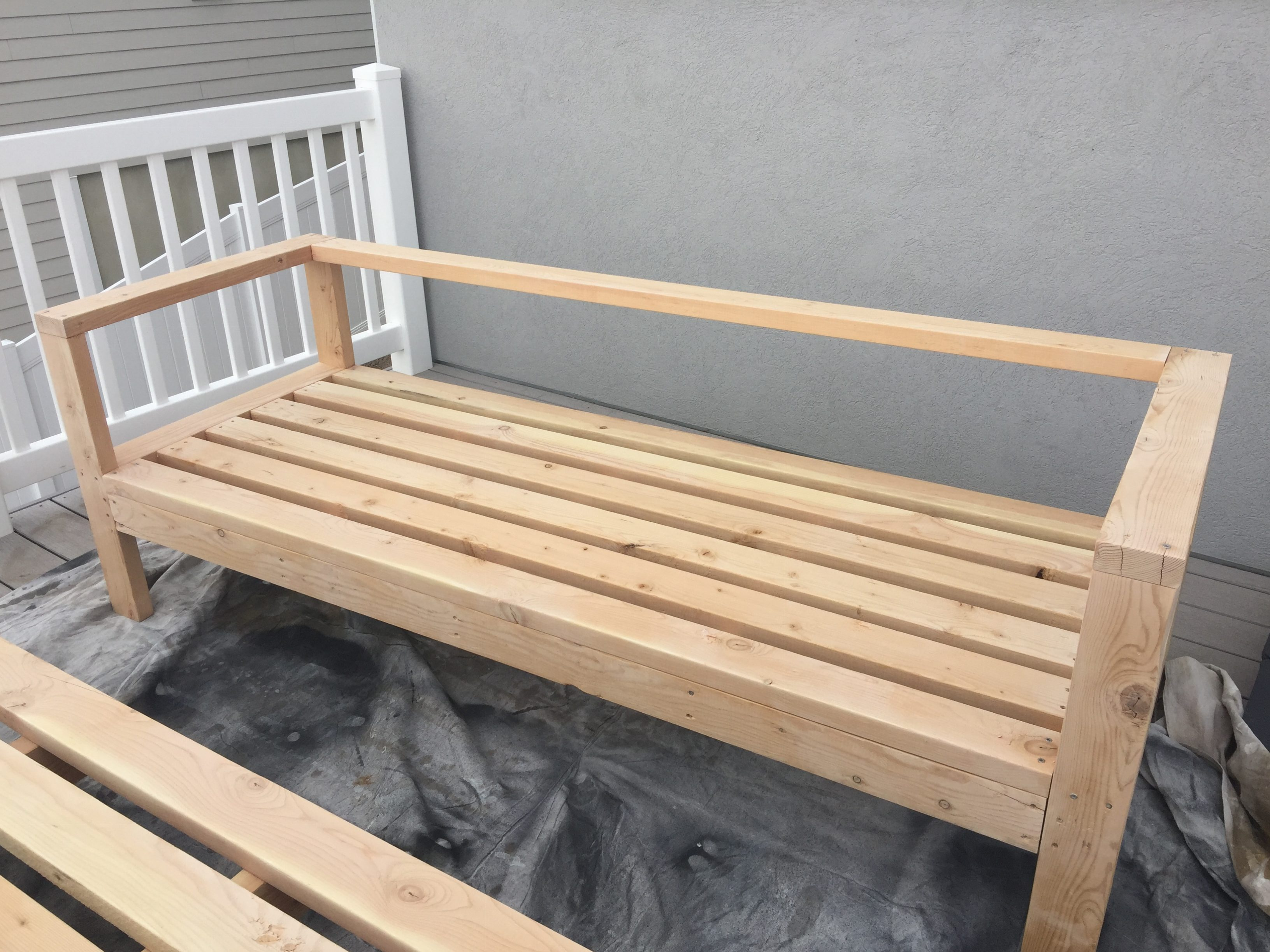 Simple outdoor wood bench - Step 4 Finish With One More Board In The Back Attached With A Kreg Jig The Rest Of The Frame Was Assembled Quickly Using Self Tapping Screws