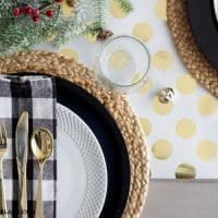 Easy Wrapping Paper Table Runner